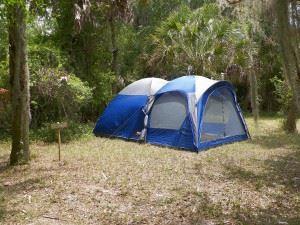 camping-445425_1280
