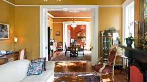 living-room-1019053-m