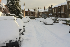 snow-covered-cars-3-1323378-m