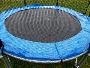 trampoline-114587_1280