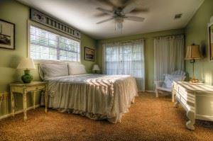bedroom-349698_1280