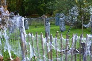 halloween-graveyard-1630898