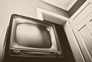 watching-television-639257-m