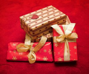 gifts-5-422320-m