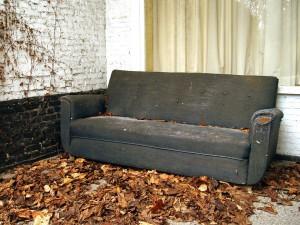 old-sofa-1479183