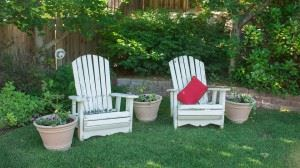 backyard-1474128_960_720