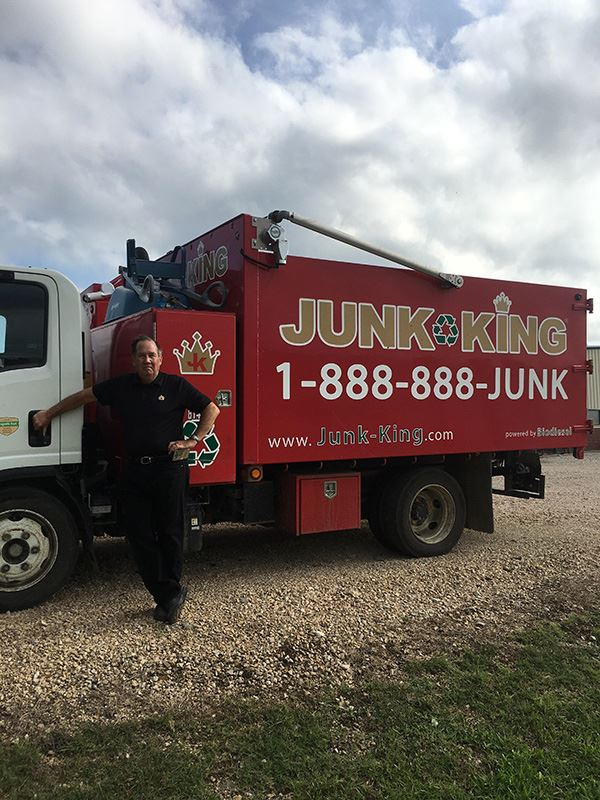 Junk King Franchise Owner, Bill Rice and Debbie.