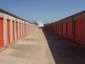storage-perspective-190822-m & Orange County Storage Unit Cleanout | Junk Removal | Junk King ...