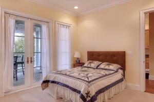 bedroom-389258_960_720