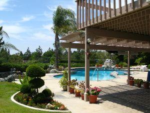 california-backyard-1214449-m