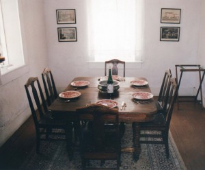 old-table-1501084
