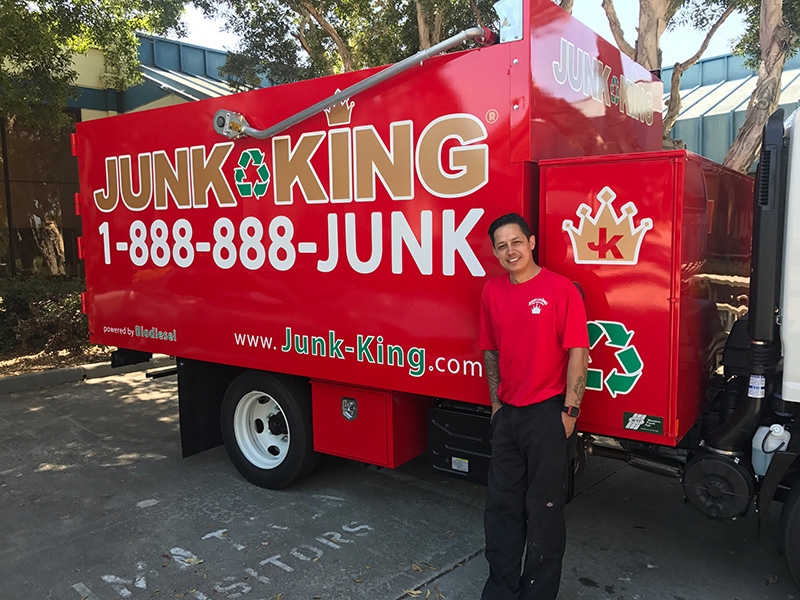 Junk King Franchise Owner,  Dave Archer and Toni Archer.