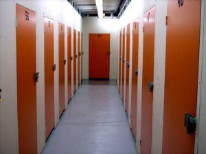 orange-doors-272152-m