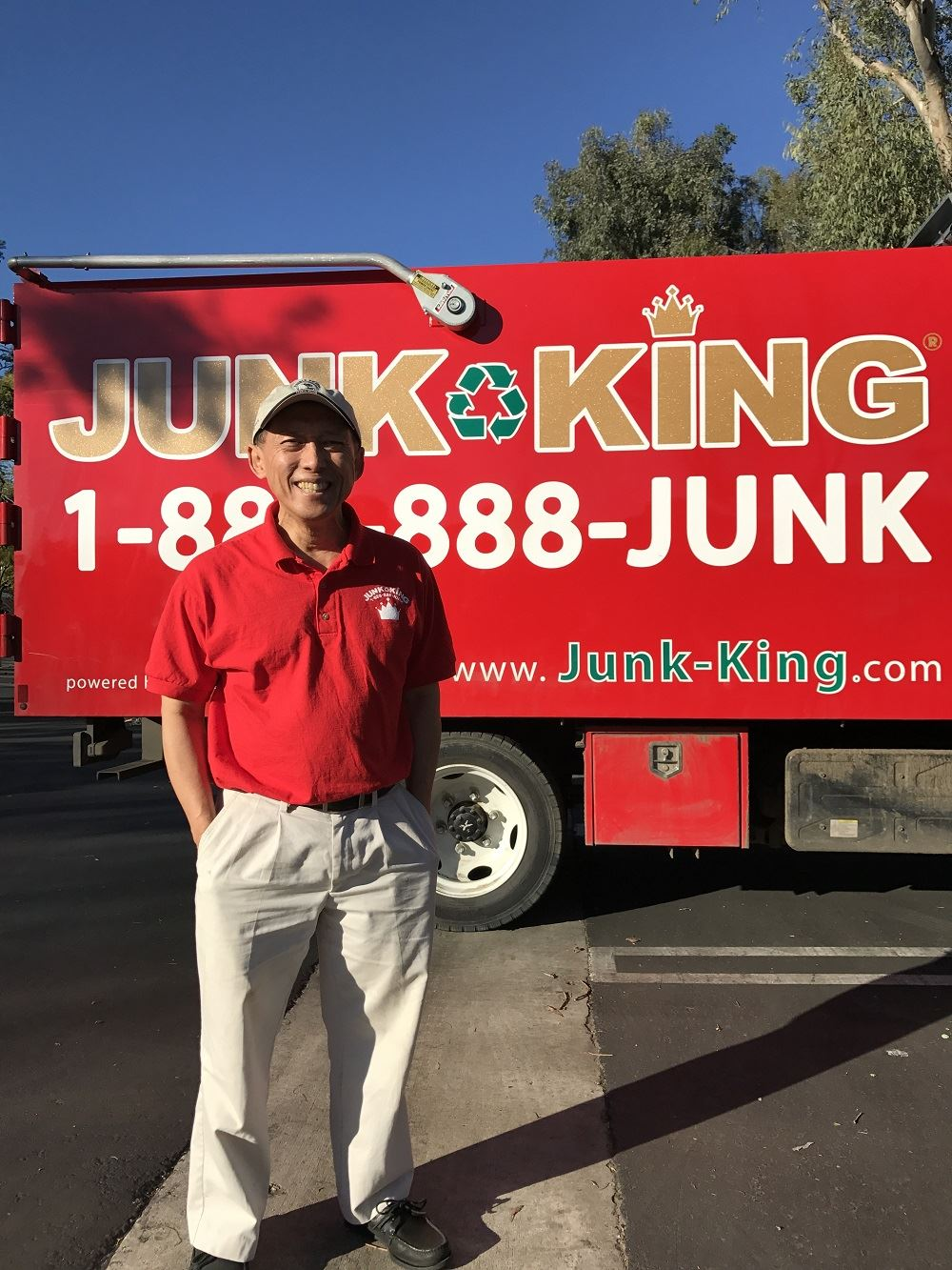 Junk King Franchise Owner, Art and Lani Adi.